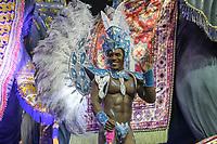 SAO PAULO, SP, 22/02/2020 - Carnaval 2020 -SP- Carnaval 2020, Max Souza Muso  da Escola de Samba Perola Negra pelo segundo dia de Carnaval do grupo especial, no Sambodromo do Anhembi em Sao Paulo, SP, nesta sabado (22). (Foto: Marivaldo Oliveira/Codigo 19/Codigo 19)