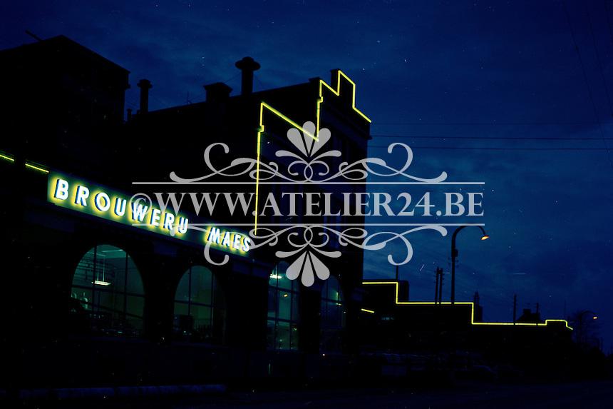Lichtreclame Brouwerij Maes.