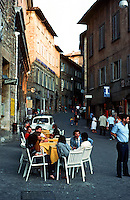 Urbino:  Piazza Della Repubblica.  Photo '83.