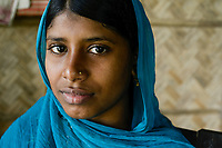 BANGLADESH,  District Tangail, Kalihati, portraiture of young woman / BANGLADESCH, Distrikt Tangail, Kalihati, Mongila Khatun, 16 Jahre alt, in ihrem Dorf Southpara