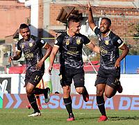 ENVIGADO - COLOMBIA, 18–10-2021: Juan Camilo Salazar de Aguilas Doradas Rionegro celebra con sus compañeros de equipo el segundo gol anotado al Envigado F. C., durante partido entre Envigado F. C. y Aguilas Doradas Rionegro de la fecha 14 por la Liga BetPlay DIMAYOR II 2021 en el estadio Polideportivo Sur de la ciudad de Envigado. / Juan Camilo Salazar of Aguilas Doradas Rionegro celebrates with his teamates the second scored goal to Envigado F. C., during a match between Envigado F. C., and Aguilas Doradas Rionegro of the 14th date for the BetPlay DIMAYOR II League 2021 at the Polideportivo Sur stadium in Envigado city. / Photo: VizzorImage / Andres Alvarez / Cont.ENVIGADO - COLOMBIA, 18–10-2021: Juan Camilo Salazar de Aguilas Doradas Rionegro celebra con sus compañeros de equipo el segundo gol anotado al Envigado F. C., durante partido entre Envigado F. C. y Aguilas Doradas Rionegro de la fecha 14 por la Liga BetPlay DIMAYOR II 2021 en el estadio Polideportivo Sur de la ciudad de Envigado. / Juan Camilo Salazar of Aguilas Doradas Rionegro celebrates with his teamates the second scored goal to Envigado F. C., during a match between Envigado F. C., and Aguilas Doradas Rionegro of the 14th date for the BetPlay DIMAYOR II League 2021 at the Polideportivo Sur stadium in Envigado city. / Photo: VizzorImage / Andres Alvarez / Cont.
