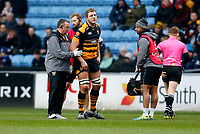Photo: Richard Lane/Richard Lane Photography. Wasps v Leinster.  European Rugby Champions Cup. 20/01/2019. Wasps' Joe Launchbury receives medical treatment from physios, Jamie Hamment and Ali James with Doctor David Ward.
