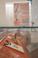 """Wiedereroeffnung des Juedischen Muesum in Berlin.<br /> Im Bild: Eine Vitrine mit Exponaten zum Thema """"Sport als Selbsbehauptung"""".<br /> 18.8.2020, Berlin<br /> Copyright: Christian-Ditsch.de<br /> NUR FUER REDAKTIONELLE ZWECKE! Werbung nur auf Anfrage beim Fotografen. [Inhaltsveraendernde Manipulation des Fotos nur nach ausdruecklicher Genehmigung des Fotografen. Vereinbarungen ueber Abtretung von Persoenlichkeitsrechten/Model Release der abgebildeten Person/Personen liegen nicht vor. NO MODEL RELEASE! Don't publish without copyright Christian-Ditsch.de, Veroeffentlichung nur mit Fotografennennung, sowie gegen Honorar, MwSt. und Beleg. Konto: I N G - D i B a, IBAN DE58500105175400192269, BIC INGDDEFFXXX, Kontakt: post@christian-ditsch.de<br /> Bei der Bearbeitung der Dateiinformationen darf die Urheberkennzeichnung in den EXIF- und  IPTC-Daten nicht entfernt werden, diese sind in digitalen Medien nach §95c UrhG rechtlich geschuetzt. Der Urhebervermerk wird gemaess §13 UrhG verlangt.]"""
