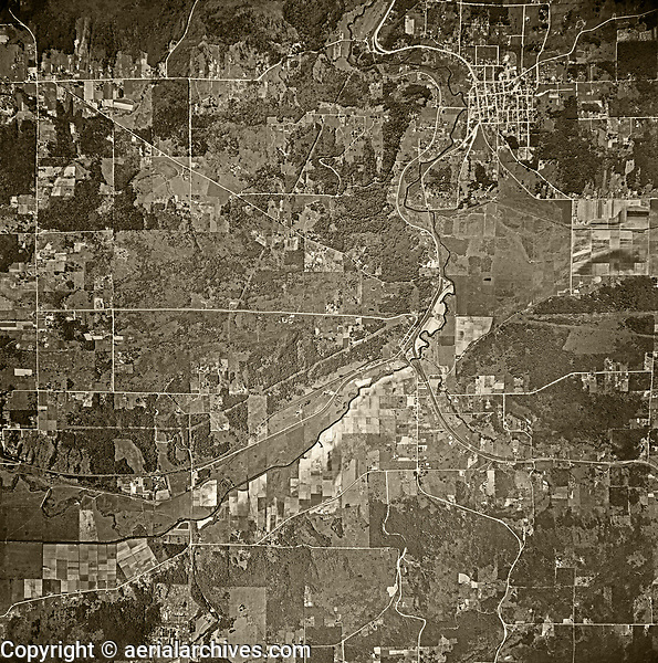 historical aerial photograph of Woodinville, Washington, 1941
