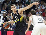Real Madrid's Sergio Rodriguez (r) and Fenerbahce Istambul's Bogdan Bogdanovic during Euroleague Quarter-Finals 3rd match. April 19,2016. (ALTERPHOTOS/Acero)
