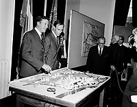 1965 POL - LAMONTAGNE Gilles - Maire de Québec