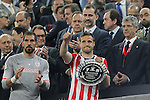 King Felipe VI of Spanin gives the award to Athletic de Bilbao´s Gurpegui after losing the 2014-15 Copa del Rey final match between Barcelona and Athletic de Bilbao at Camp Nou stadium in Barcelona, Spain. May 30, 2015. (ALTERPHOTOS/Victor Blanco)