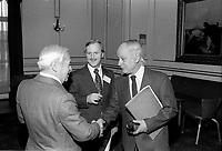 Rene Levesque a la tribune de la Chambre de commerce du district de Montreal,le 8 fevrier 1977, a l'hotel Windsor<br /> <br /> PHOTO : Agence Quebec Presse - John Raudsepp