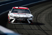 2017 Monster Energy NASCAR Cup Series<br /> Auto Club 400<br /> Auto Club Speedway, Fontana, CA USA<br /> Sunday 26 March 2017<br /> Denny Hamlin, Toyota Sport Clips Toyota Camry<br /> World Copyright: Barry Cantrell/LAT Images<br /> ref: Digital Image 17FON1bc4280