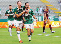 PALMIRA -COLOMBIA-07-02-2016. Fabian H. Sambueza (Der) jugador del Deportivo Cali celebra después de anotar un gol a Deportes Tolima durante partido por la fecha 3 de la Liga Aguila I 2016 jugado en el estadio Palmaseca de la ciudad de Palmira./ Fabian H. Sambueza (R) player of Deportivo Cali celebrates a goal against Deportes Tolima during match for the date 3 of the Aguila League I 2016 played at Palmaseca stadium in Palmira city.  Photo: VizzorImage/ NR /Cont
