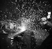 Washington (DC) USA - 1941 -<br /> Rotary saw for sawing iron and steel. Gichner Iron Works, Washington, D.C.