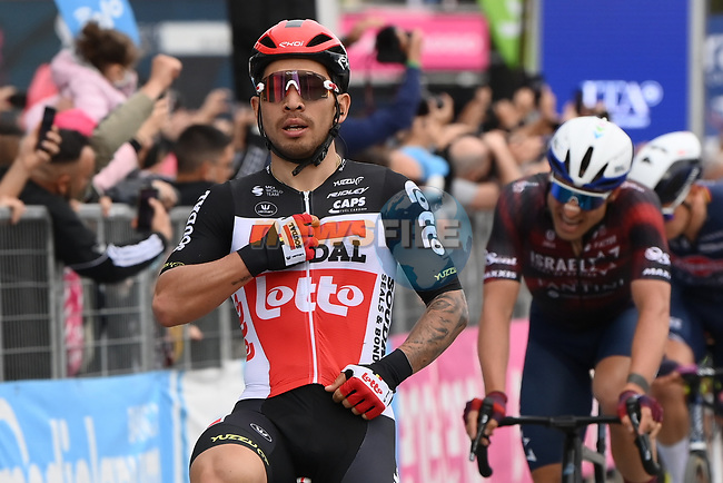 Caleb Ewan (AUS) Lotto-Soudal wins Stage 7 of the 2021 Giro d'Italia, running 181km from Notaresco to Termoli, Italy. 14th May 2021.  <br /> Picture: LaPresse/Gian Mattia D'Alberto | Cyclefile<br /> <br /> All photos usage must carry mandatory copyright credit (© Cyclefile | LaPresse/Gian Mattia D'Alberto)