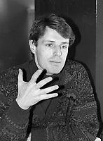 Photo exclusive de L'acteur francais Lambert Wilson en entrevue, le 1er mars 1990.<br /> <br /> PHOTO : Agence Quebec Presse
