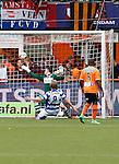 Nederland, Volendam, 31 mei 2015<br /> Playoffs om promotie/degradatie<br /> Seizoen 2014-2015<br /> FC Volendam-De Graafschap<br /> Vincent Vermeij van De Graafschap schiet de 0-1 binnen. Theo Zwarthoed, keeper (doelman) van FC Volendam kijkt de bal na.
