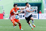 Jeju United Defender Kweon Hanjin (L) fights for the ball with Urawa Reds Forward Zlatan Ljubijankic (R) during the AFC Champions League 2017 Round of 16 match between Jeju United FC (KOR) vs Urawa Red Diamonds (JPN) at the Jeju Sports Complex on 24 May 2017 in Jeju, South Korea. Photo by Yu Chun Christopher Wong / Power Sport Images
