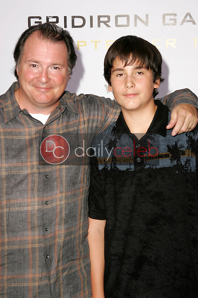 """Kevin Dunn and son<br />at the Los Angeles Premiere of """"Gridiron Gang"""". Grauman's Chinese Theatre, Hollywood, CA. 09-05-06<br />Dave Edwards/DailyCeleb.com 818-249-4998"""