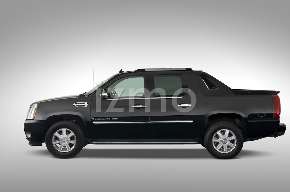 Driver side profile view of a2007 Cadillac Escalade EXT