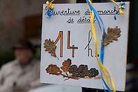 Europe/France/Midi-Pyrénées/46/Lot/Lalbenque: Enseigne   du marché aux truffes