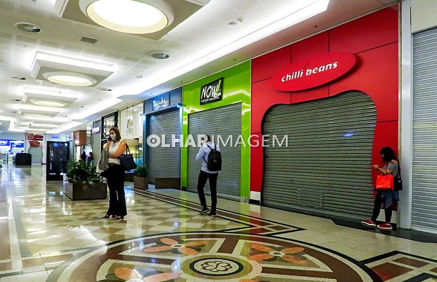 Comercio fechado, shopping Bourbon, quarentena Coronavirus. Sao Paulo. 23.06.2020. Foto Juca Martins
