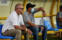 MONTERIA - COLOMBIA, 24-01-2021: Alberto Suarez, tecnico de Jaguares de Cordoba F.C., durante partido entre Jaguares de Cordoba F. C. y Atletico Bucaramanga de la fecha 2 por la Liga BetPlay DIMAYOR I 2021, en el estadio Jaraguay de Monteria de la ciudad de Monteria. / Alberto Suarez, coach of Jaguares de Cordoba F.C., during a match between Jaguares de Cordoba F.C., and Atletico Bucaramanga, of the 2nd date for the BetPlay DIMAYOR I 2021 League at Jaraguay de Monteria Stadium in Monteria city. Photo: VizzorImage / Andres Lopez / Cont.