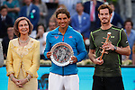 Queen Sofia of Spain (L), Rafael Nadal of Spain (C) and Andy Murray of Great Britain pose with their trophies at the end of the final of the Madrid Open Tennis tournament in Madrid, Spain. May 10, 2015. (ALTERPHOTOS/Victor Blanco)