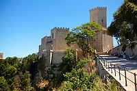Toretta Popoli and the Castello di Vénere [ Venere ] Érice, Erice, Sicily stock photos.