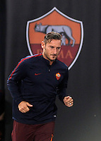 Roma's Francesco Totti arrives to warm up prior to the start of the Europa League Group E soccer match between Roma and Astra Giurgiu at Rome's Olympic stadium, 29 September 2016. Roma won 4-0.<br /> UPDATE IMAGES PRESS/Isabella Bonotto