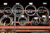 Deutschland, Hamburg, Unternehmen Fehrmann windows, Fertigung von Spezialfenstern fuer die Schifffahrt und andere spezielle Anwendungen wo es um hohe Drücke und Bruchfestigkeit geht, Bullaugen und Schaufenster fuer Kraftwerke