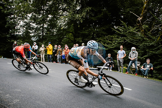 Romain Bardet (FRA) AG2R La Mondiale and Nairo Quintana (COL) Team Arkea-Samsic descend during Stage 9 of Tour de France 2020, running 153km from Pau to Laruns, France. 6th September 2020. <br /> Picture: ASO/Pauline Ballet | Cyclefile<br /> All photos usage must carry mandatory copyright credit (© Cyclefile | ASO/Pauline Ballet)
