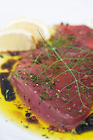 Europe/France/Bretagne/56/Morbihan/ Golfe du Morbihan/St Philibert: Carpaccio de thon  au restaurant: Le Chantier