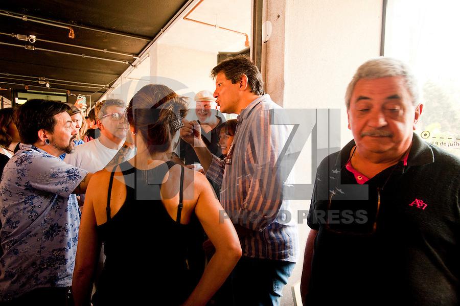 SAO PAULO, SP, 23.08.2015 - HADDAD - SP - O prefeito de SP Fernando Haddad inaugura o Mirante da 9 de Julho, embaixo do Viaduto Bernardino Tranchesi, area central da cidade , nesse domingo 23. ( Foto: Gabriel Soares/ Brazil Photo Press)