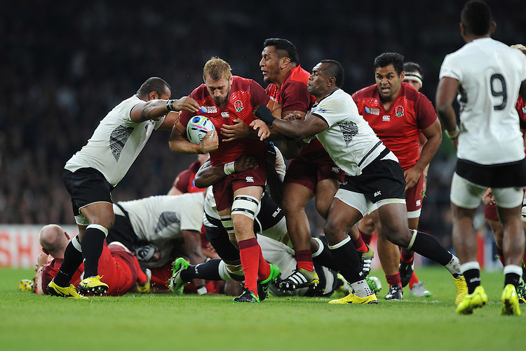 Chris Robshaw of England leads a charge upfield during Match 1 of the Rugby World Cup 2015 between England and Fiji - 18/09/2015 - Twickenham Stadium, London <br /> Mandatory Credit: Rob Munro/Stewart Communications