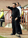 20040509    Copyright Pic: James Stewart.File Name : jspa26_clyde_v_ict.INVERNESS CALEY BOSS JOHN ROBERTSON SHOUTS OUT HIS INSTRUCTIONS TO HIS PLAYERS.....James Stewart Photo Agency 19 Carronlea Drive, Falkirk. FK2 8DN      Vat Reg No. 607 6932 25.Office     : +44 (0)1324 570906     .Mobile  : +44 (0)7721 416997.Fax         :  +44 (0)1324 570906.E-mail  :  jim@jspa.co.uk.If you require further information then contact Jim Stewart on any of the numbers above.........