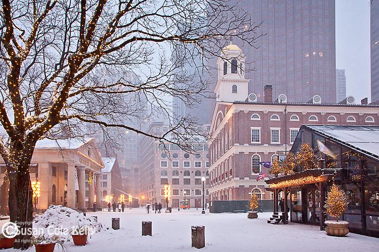 Christmas snow at Faneuil Hall Marketplace, Boston National Historical Park, Boston, MA, USA