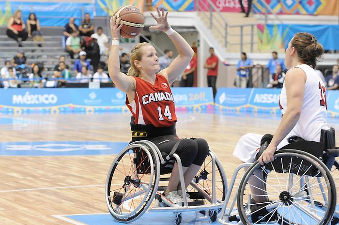 Jessica Vliegenthart, Guadalajara 2011 - Wheelchair Basketball // Basketball en fauteuil roulant.<br /> Team Canada takes on Team USA in the Gold Medal Game // Équipe Canada affronte Équipe États-Unis dans le match pour la médaille d'or. 11/18/2011.