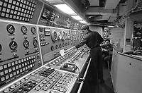 - Italian Navy, Vittorio Veneto cruiser, the engine control room (May 1984)<br /> <br /> - Marina Militare Italiana, incrociatore Vittorio Veneto, la sala controllo motori (Maggio 1984)
