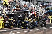 #26 James Hinchcliffe, Andretti Autosport Honda, pit stop