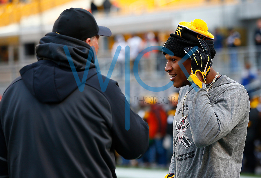 Ryan Shazier #50 of the Pittsburgh Steelers warms up prior to the game against the Denver Broncos during the game at Heinz Field on December 20, 2015 in Pittsburgh, Pennsylvania. (Photo by Jared Wickerham/DKPittsburghSports)