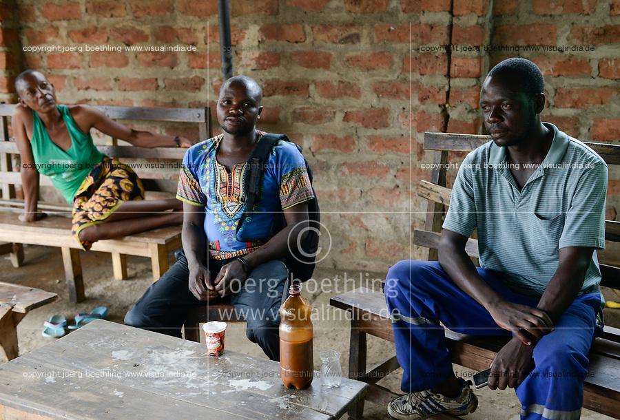Zambia, Sinazese, village Nkandabbwe, chinese Collum coal mine, miner in village bar / SAMBIA, chinesische Collum Kohlemine, Bergarbeiter in Bana Bangu Bar