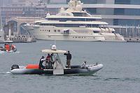BMW Oracle Racing Team catamaran trainings in Velencia, 6/4/2009 Port America's Cup, Valencia, España