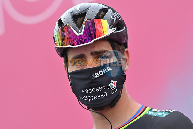 Peter Sagan (SVK) Bora-Hansgrohe at sign on before the start of Stage 9 of the 103rd edition of the Giro d'Italia 2020 running 208km from San Salvo to Roccaraso (Aremogna), Sicily, Italy. 11th October 2020.  <br /> Picture: LaPresse/Gian Mattia D'Alberto | Cyclefile<br /> <br /> All photos usage must carry mandatory copyright credit (© Cyclefile | LaPresse/Gian Mattia D'Alberto)