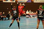Saskia Fackel Kurpfalz Baeren (Nr.22) gegen Nr.29 Ines Ivancok von den Flames beim Spiel in der 1. Bundesliga, Kurpfalz Baeren - HSG Bensheim/Auerbach.<br /> <br /> Foto © PIX-Sportfotos *** Foto ist honorarpflichtig! *** Auf Anfrage in hoeherer Qualitaet/Aufloesung. Belegexemplar erbeten. Veroeffentlichung ausschliesslich fuer journalistisch-publizistische Zwecke. For editorial use only. DFL regulations prohibit any use of photographs as image sequences and/or quasi-video.