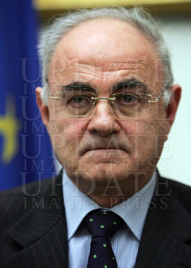 Il capolista dell'Italia dei Valori in Veneto Elio Lannutti durante la conferenza stampa a Roma, 7 marzo 2008..UPDATE IMAGES PRESS/Riccardo De Luca.