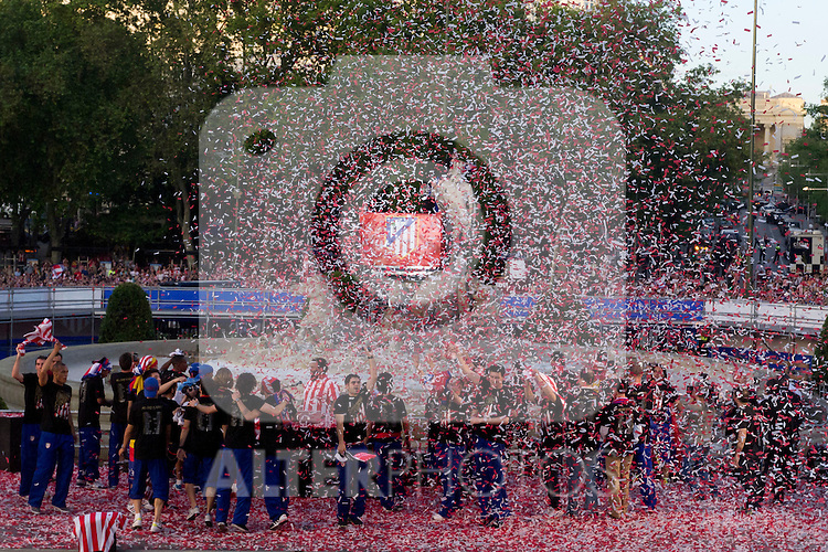 10.05.2012. The Atlético de Madrid celebrates his win in the final of the UEFA Europa League in the Neptune Fountain. (Alterphotos/Marta Gonzalez)