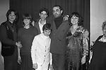 VITTORIO GASSMAN CON LA FAMIGLIA -  PREMIERE TEATRO QUIRINO ROMA 1985