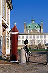 Denmark, Zealand, Fredensborg: Fredensborg Castle with sentry | Daenemark, Insel Seeland, Fredensborg: Schloss Fredensborg mit Wachposten