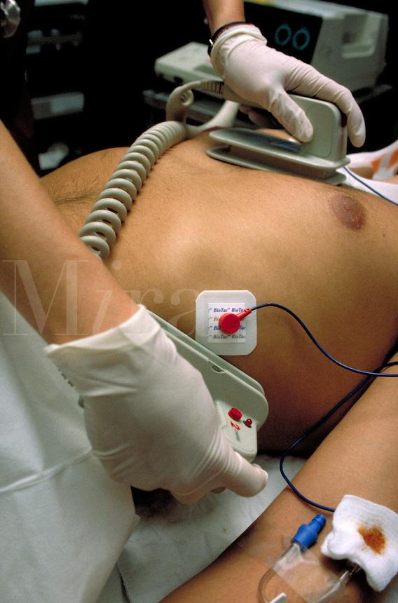 Health Care, Trauma, Emergency Room, medical equipment, procedure, defibrillation. Hospital.