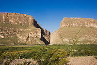 Santa Elena Canyon, Chisos Mountains, Big Bend National Park, Chihuahuan Desert, West Texas, USA