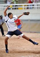 CALI – COLOMBIA – 30-07-2013: Partido de Softball entre Colombia y Venezuela durante los IX Juegos Mundiales Cali, julio 30 de 2013. (Foto: VizzorImage / Luis Ramirez / Staff). Match of Softball between Colombia and Venezuela in the IX World Games Cali, July 30, 2013. (Photo: VizzorImage / Luis Ramirez / Staff).