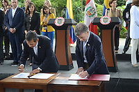 MEDELLÍN - COLOMBIA, 06-08-2015. Juan Manuel Santos, presidente de Colombia, y Ollanta Humala, presidente de Perú, presidieron el segundo gabinete binalcional Colombia - Perú realizado en la ciudad de Medellín Colombia./ Juan Manuel Santos, president of Colombia, and Ollanta Humala, president of Peru, presided the second binational cabinet Colombia - Peru that carried out in Medellin , Colombia.  Photo: VizzorImage/ León Monsalve /STR